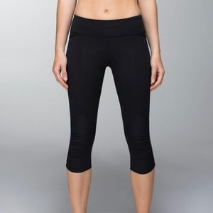 lululemon Run Pace Crop in Black
